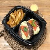 Combo de doble hamburguesa al plato + patatas fritas + salsa a elegir