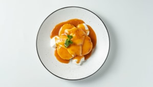 Сирники з карамельним соусом і сметаною (150/150г)