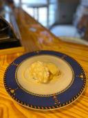 Torrija en pan brioche, crema pastelera y chocolate