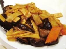 Bambù e Funghi Saltato