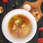 Supa delicata de pui cu bors de tarate si taitei de casa