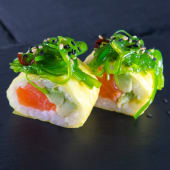 Spring salmon roll (8 uds.)