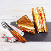 Sándwich De Salmón Y Queso