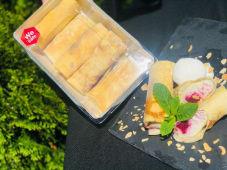 Млинці з карамелізованою вишнею та крем-сиром (500г)