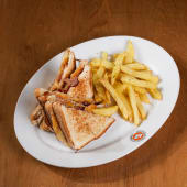 Grilled cheese sándwich con crispy bacon