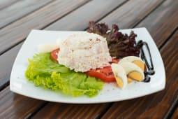 Pileća salata sa povrćem