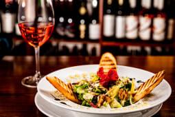 Salată vegană cu nuci