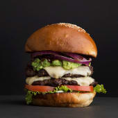 Burger pinche +  papas fritas
