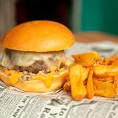 Steak tartare burger