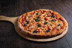 პიცა პესტო ქათმით