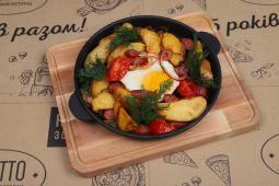 Гаряча сковорідка з єгерськими ковбасками (250г)