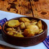 Zapiekane ziemniaki z cebulą