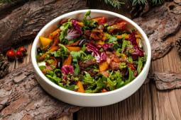 Пряний салат з квасолею, томатами та запеченим гарбузом (200г)