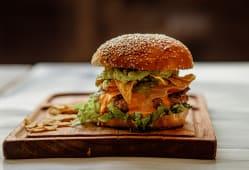 Burger Tex Mex + Guarnición + Salsa