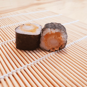 Maki tempura de langostino (8 uds.)