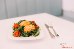 Rucola Salad with Goat Cheese