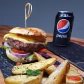 Burger espiria + 1 lata gaseosa