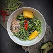 Салат кайсо з огірком, авокадо та соусом Гамадарі (230г)