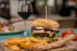 Red wine beef burger