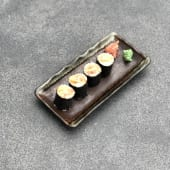 32). Spicy tuna maki (4 uds.)
