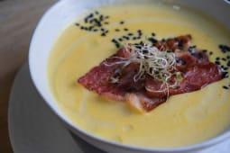 Крем-суп сирний з беконом