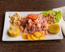 Ceviche peruano de salmón