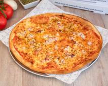 Pizza Pulpo Con Aove Emulsionado En Pimentón De La Vera Y Sal Maldon
