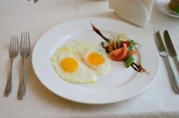 Яєчня з двох яєць (100г)