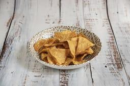 Totopos de maíz caseros (nachos)