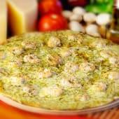 Pizza gamberetti y pesto (6 porciones) (25% de descuento)