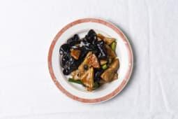 40 Poulet aux champignons noires