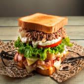 Sándwich De La Casa + Patatas Caseras