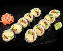 Futto maki (sushi roll)