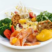 Healthy bowl de cuscús y salmón marinado