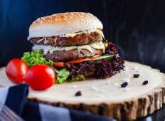 Burger cu cotlet dublu de vita