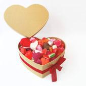 Caja de Corazón rellena con Golosinas y Chucherías