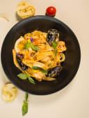 Паста с морепродуктами (320 гр.)