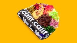 Kebab de vită cu hummus si salate in lipie