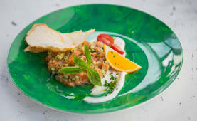 Тар-Тар из лосося с базиликом (300 гр.)
