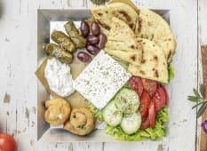 Mix di antipasti tipici Greci
