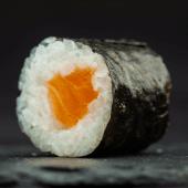 Maki de salmón (6 piezas)