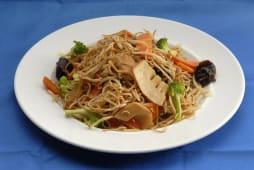 Chau Min com Legumes