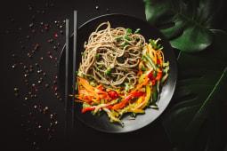 Локшина місо з овочами (400г)