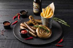 Ассорти из немецких колбасок на гриле (на 2 персоны)