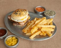 Hamburguesa Fresias + papas fritas