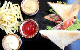 Сендвіч з лососем (180/100/90г)