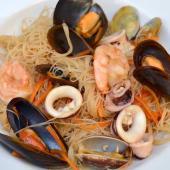 051. Spaghetti di Riso con Frutti di Mare