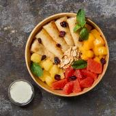Боул з млинцями з сиром  та фруктами (470г)