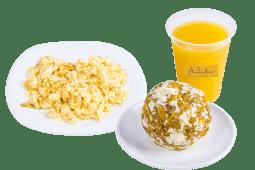Glovo WOW: Bolón de queso, huevos revueltos y jugo