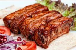 Шашлик зі свинячих ребер (100г)